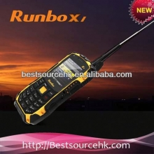 China Rugged IP67 walkie-talkie Runbo X1 waterproof dustproof shockproof military spec mobile phones factory